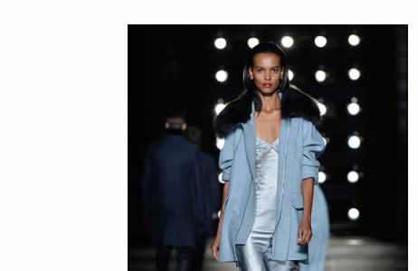 Ermanno Scervino is a Florentine designer, he knows in the luxury goods and fashion design fields. Designer fashion, Designer Womenswear.